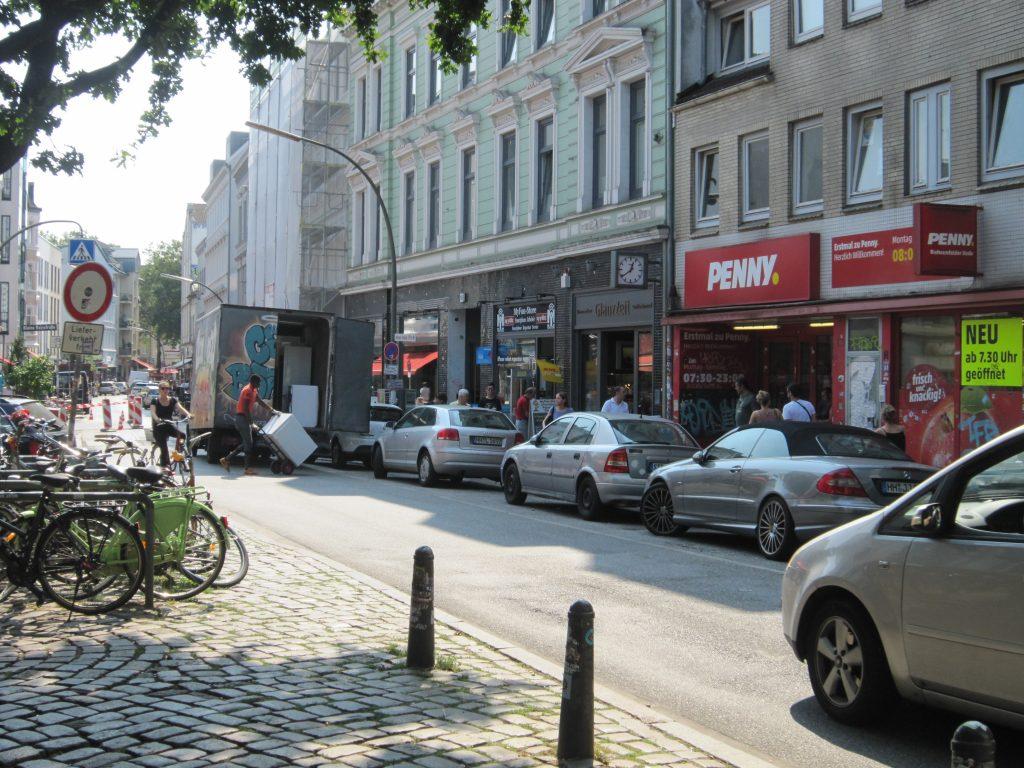 Ottensen bewegt - Bahrenfelder Straße kurz vor dem Start